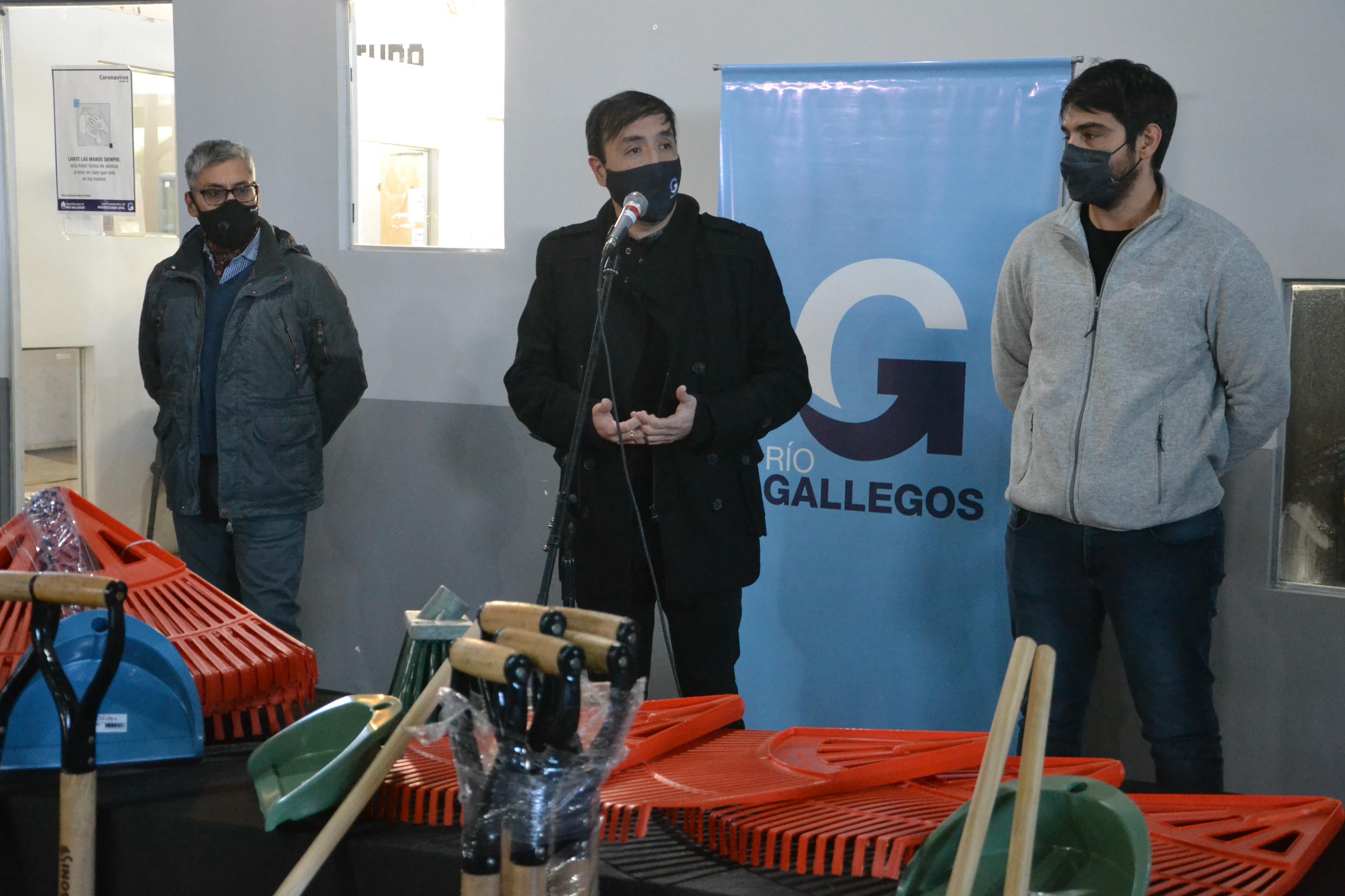 Municipio de Río Gallegos entregó elementos de trabajo al área de Saneamiento Ambiental