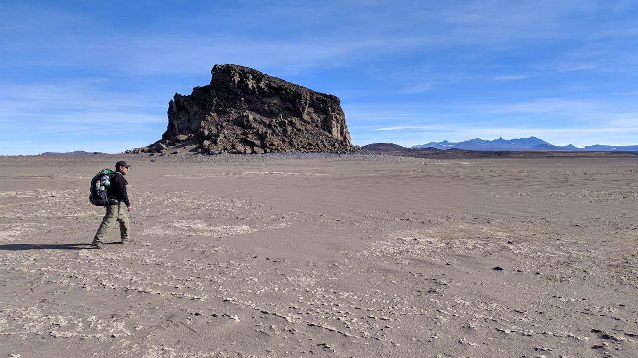 Cruce de la Meseta del Lago Buenos Aries, 100 km de trekking y aventura 01